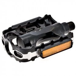 Couple of MTB pedals in aluminum and black steel