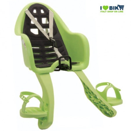 Ufo seat with green shoes