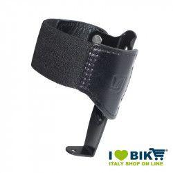 Portaborraccia Brave Classics in alluminio nero con cuoio nero bike store epoca